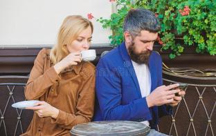 using-phone-date-morning-coffee-women-men-beard-relax-cafe-couple-love-romantic-brutal-bearded-hipster-girl-147637630